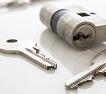 Commercial Locksmith Services in North Miami, FL